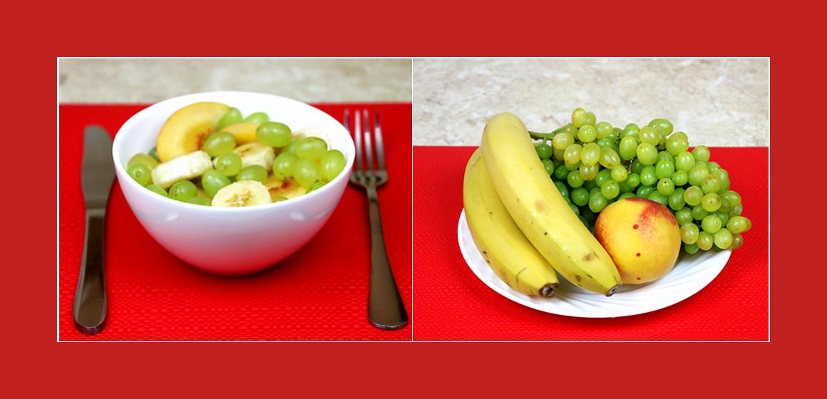 Köstlicher Obstsalat mit Bananen, Pfirsich und Trauben
