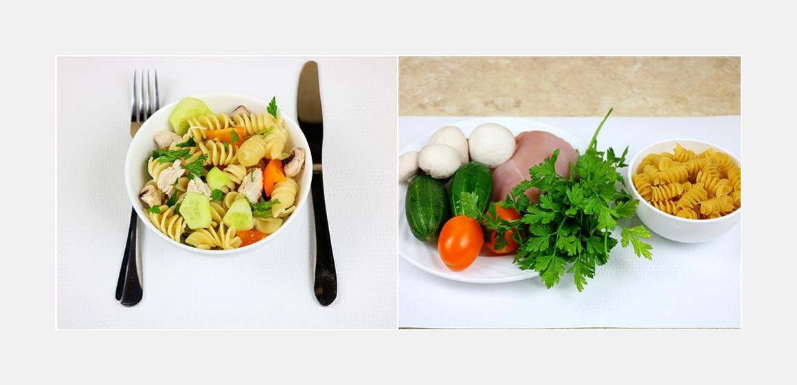 Nahrhafter Nudelsalat mit Hühnerbrust, Champignons, Tomaten und Gurken